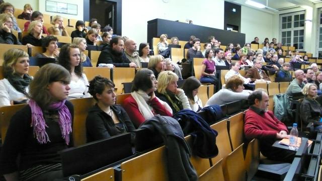 Uni hamburg zeigt den film komm doch mit sei ganz ruhig for Hamburg universitat